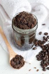 coffee_coconut_oil_body_scrub_03